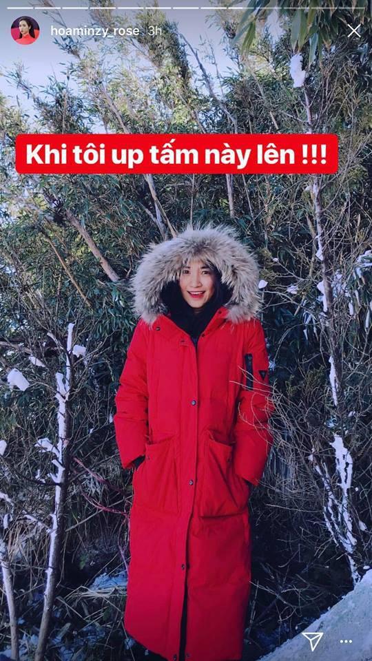 Đại chiến hoa dâm bụt: Hòa Minzy mặc áo phao đỏ, Đức Phúc liền ví chị giống chiếc xúc xích - Ảnh 1.