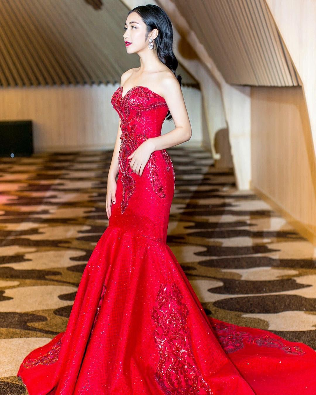 Đại chiến hoa dâm bụt: Hòa Minzy mặc áo phao đỏ, Đức Phúc liền ví chị giống chiếc xúc xích - Ảnh 7.