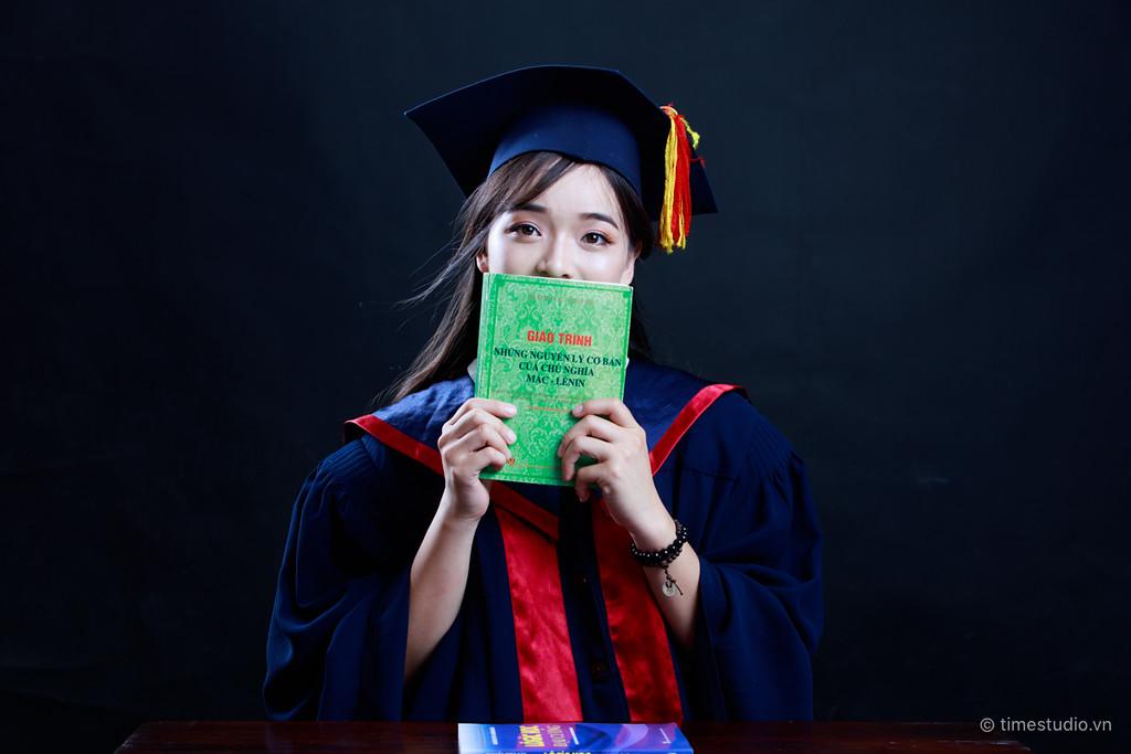 Nữ sinh Hà Nội tốt nghiệp xuất sắc khoa Triết học với khóa luận 10 điểm - Ảnh 2.