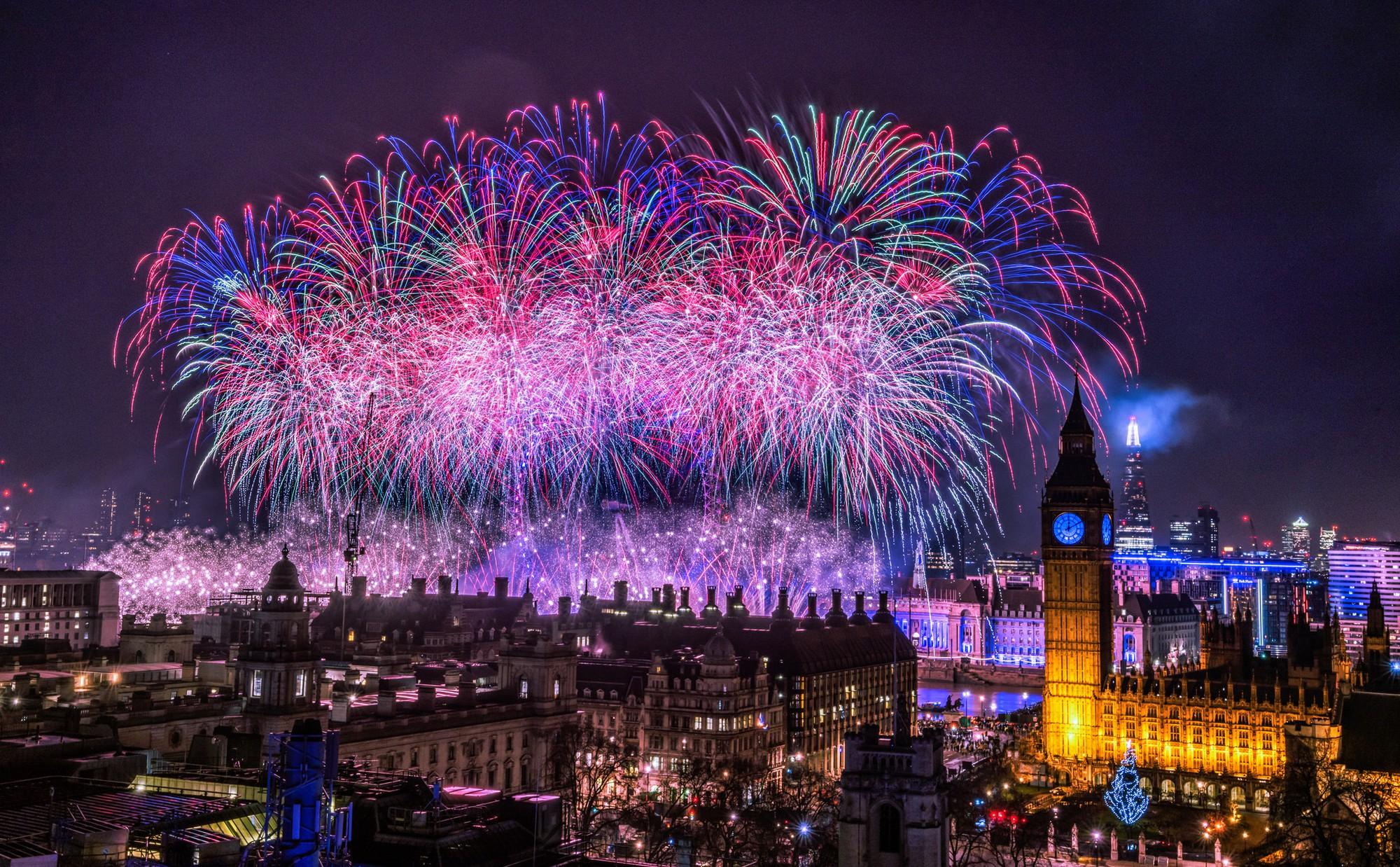 Những phong tục đón năm mới kỳ lạ của các nước mà bạn sẽ muốn thử ít nhất một lần trong đời - Ảnh 4.