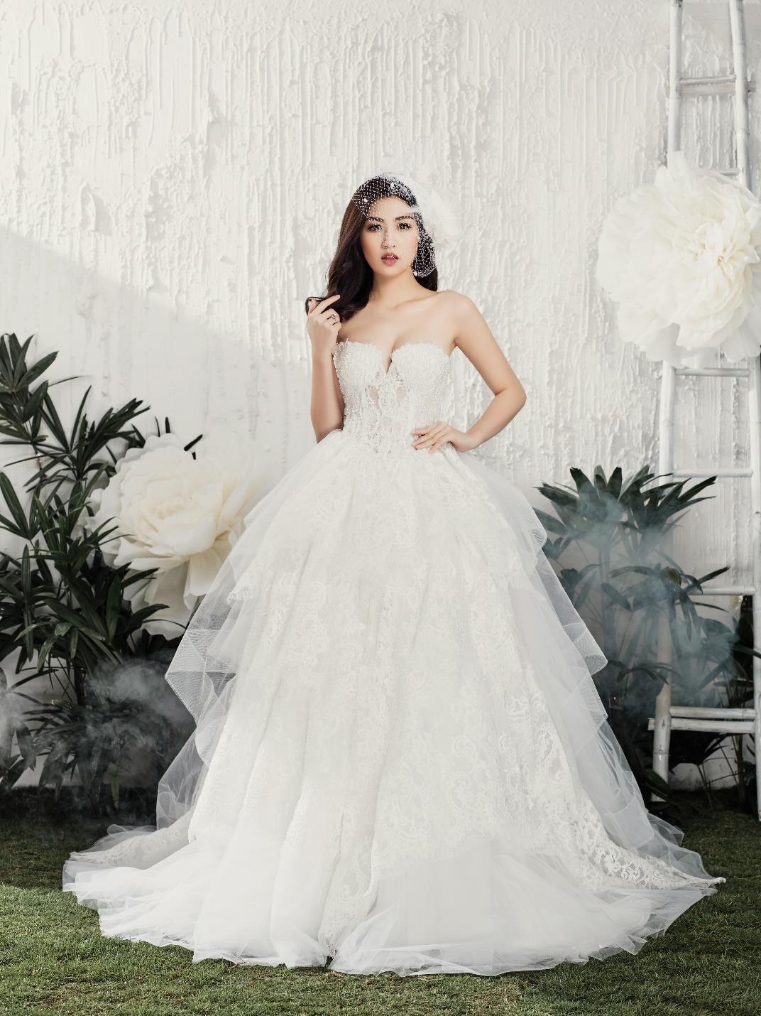 Á hậu Tú Anh đẹp thuần khiết trong BST váy cưới 2017 của Hacchic Bridal - Ảnh 2.