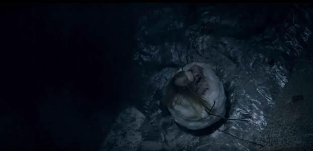 Thêm cách thức giết người tàn độc giữa mùa tuyết rơi được tiết lộ trong trailer mới của The Snowman - Ảnh 4.