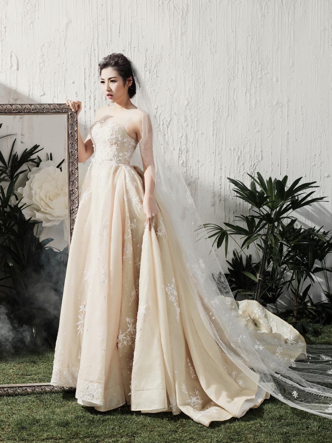 Á hậu Tú Anh đẹp thuần khiết trong BST váy cưới 2017 của Hacchic Bridal - Ảnh 8.