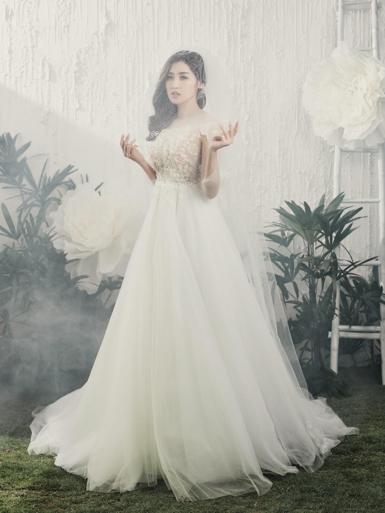 Á hậu Tú Anh đẹp thuần khiết trong BST váy cưới 2017 của Hacchic Bridal - Ảnh 10.