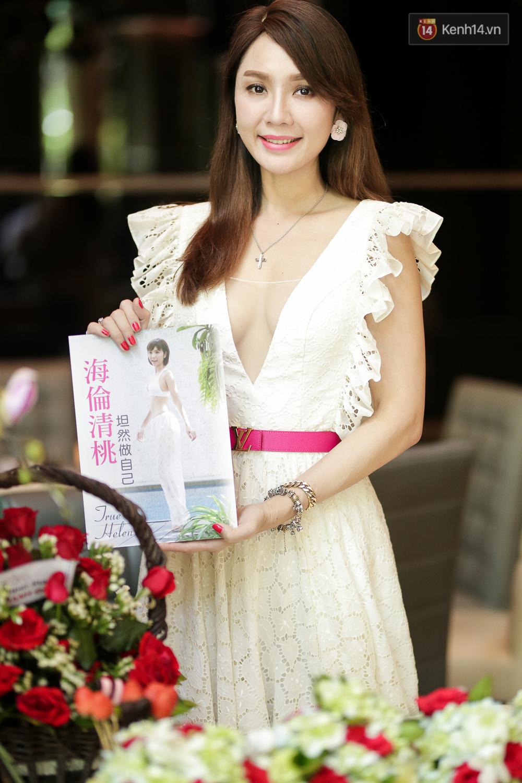 Họp báo tại Việt Nam: Helen Thanh Đào kể về cuộc sống cùng cực tại Đài Loan sau khi ly dị chồng già - Ảnh 5.