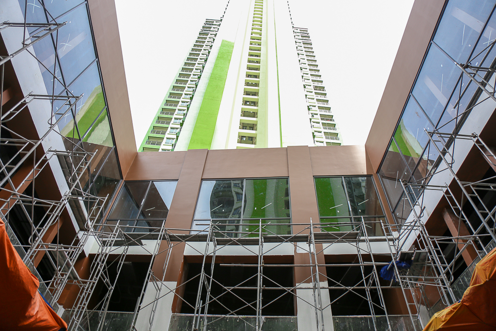 Cao ốc Thuận Kiều Plaza bỏ hoang bỗng lột xác với màu xanh lá nổi bật tại trung tâm Sài Gòn - Ảnh 13.