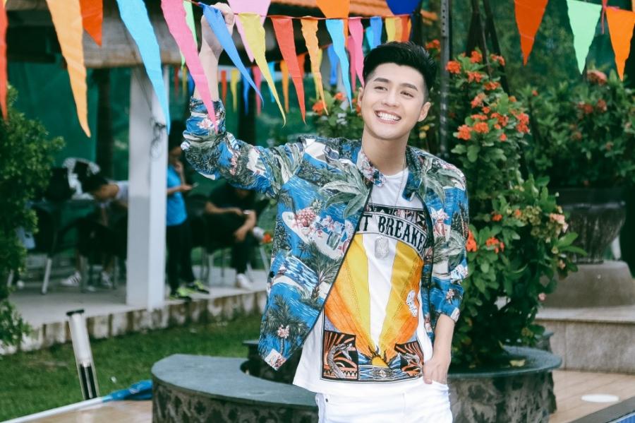 Hậu Giọng hát Việt, Noo Phước Thịnh ra mắt MV kỉ niệm đậm chất mùa hè cùng học trò - Ảnh 8.