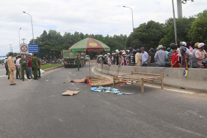 Vừa đậu đại học, nam sinh ở Đà Nẵng cùng mẹ tử vong thương tâm dưới gầm xe tải - Ảnh 2.