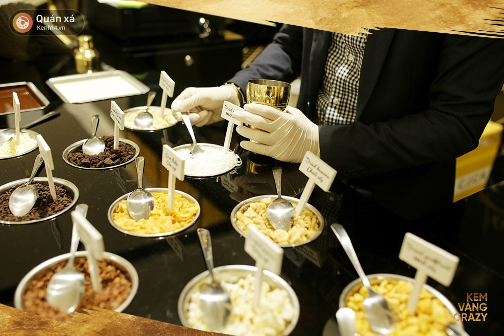 Kem vani, kem chocolate là xưa rồi, giờ người ta ăn kem với vàng 24k và mì tôm, ớt bột cơ! - Ảnh 4.