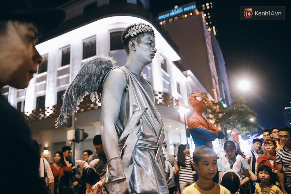Chuyện chưa kể về chàng thiên thần bất động suốt 5 giờ đồng hồ vào đêm giao thừa ở Sài Gòn - Ảnh 5.