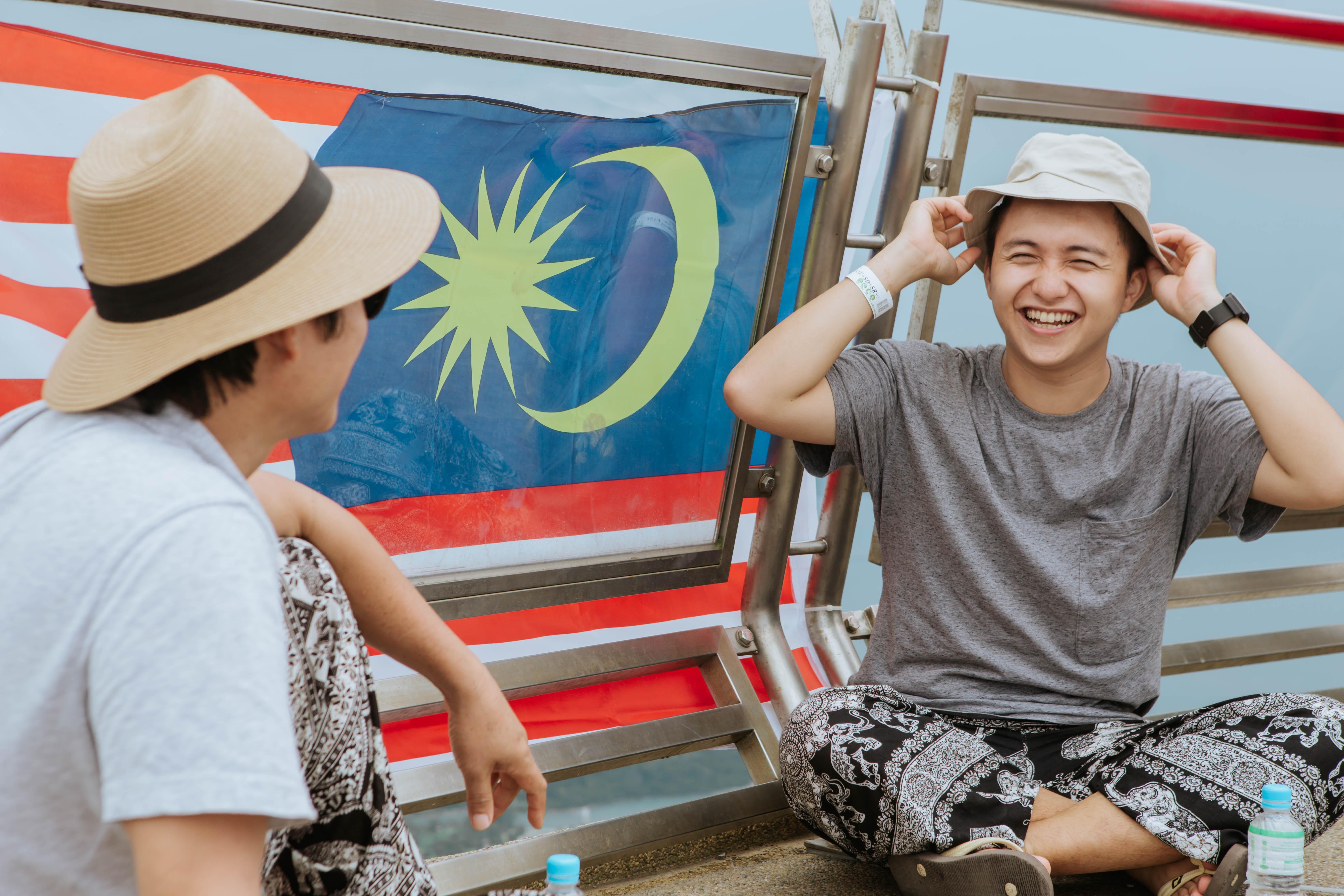 Bạn chọn ai khi muốn đi du lịch, cậu con trai Nghệ An 24 tuổi này rủ ông bố 60 tuổi, và họ có những trải nghiệm cùng nhau lần đầu tiên! - Ảnh 12.