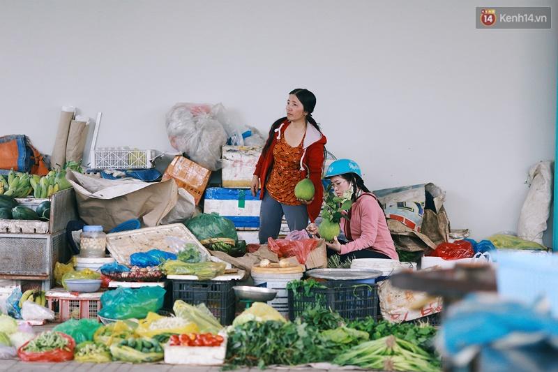 Chuyện ông Năm Hấp lấy đất nhà mình mở chợ cho người bán hàng rong ở Sài Gòn - Ảnh 9.