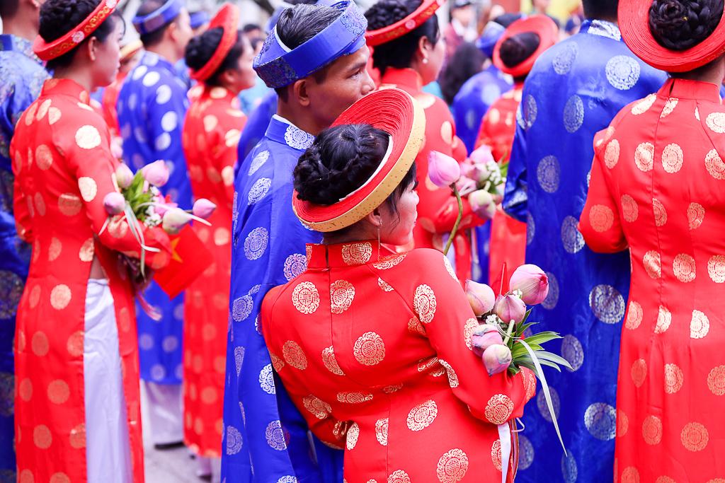 Chú rể bật khóc vì hạnh phúc trong Lễ cưới tập thể của 100 đôi uyên ương ở Sài Gòn - Ảnh 15.