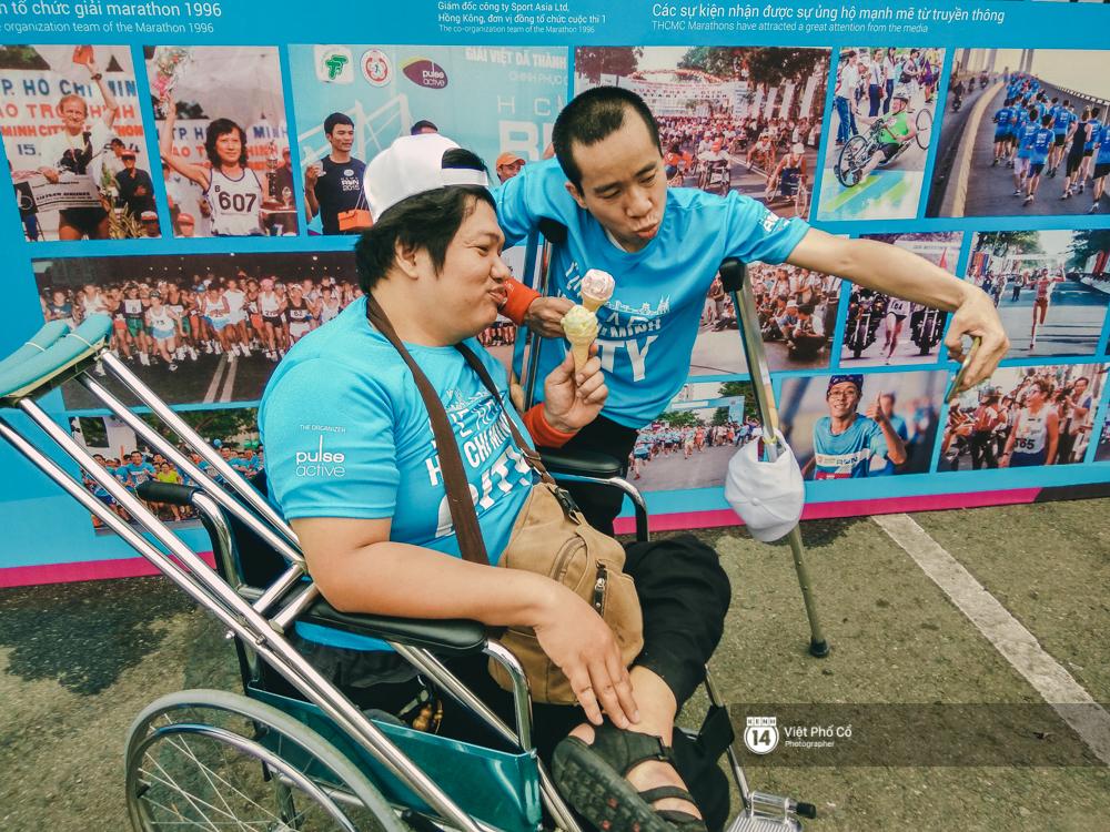 Bộ ảnh xúc động về nghị lực của những người khuyết tật trên đường chạy 5km ở Sài Gòn - Ảnh 5.