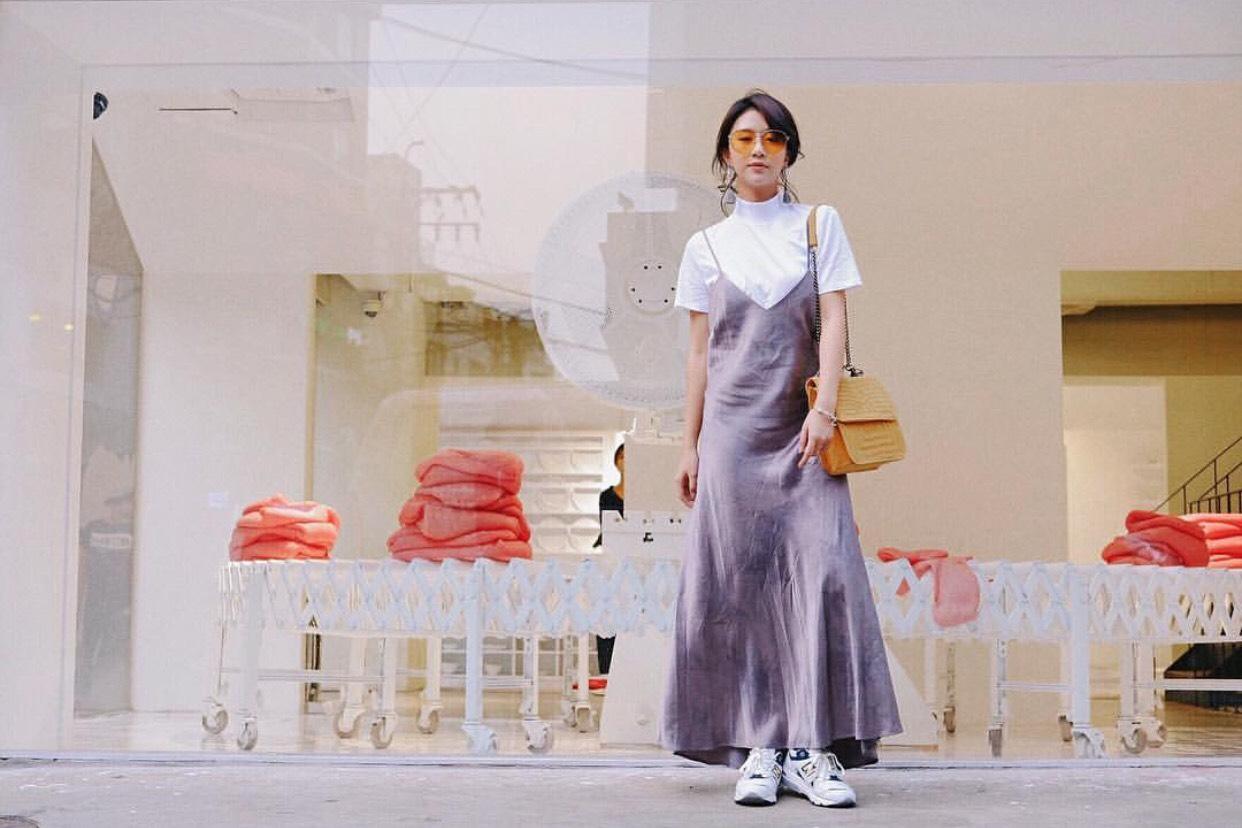 So với đàn chị đàn em, phong cách của Quỳnh Anh Shyn ngày càng... lạ - Ảnh 4.