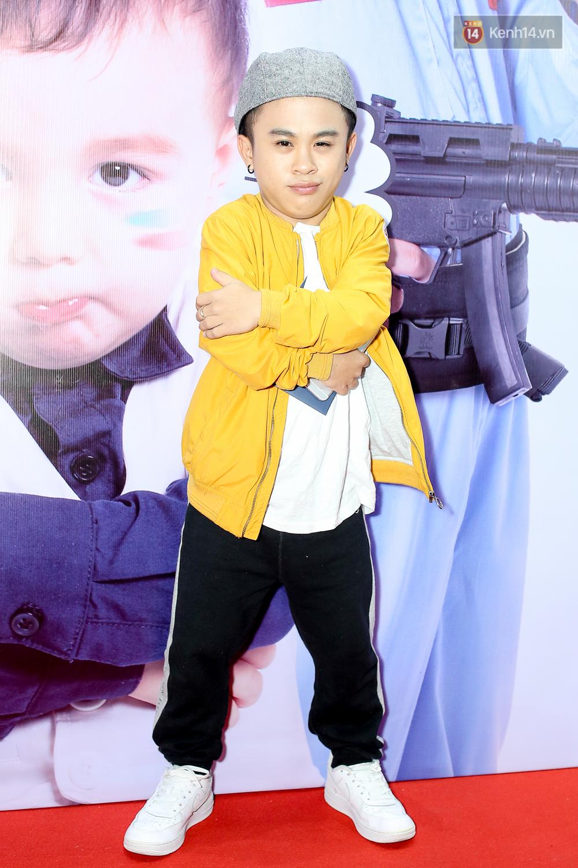 Kiều Minh Tuấn và Cát Phượng tay trong tay đến xem phim của Johnny Trí Nguyễn - Ảnh 12.
