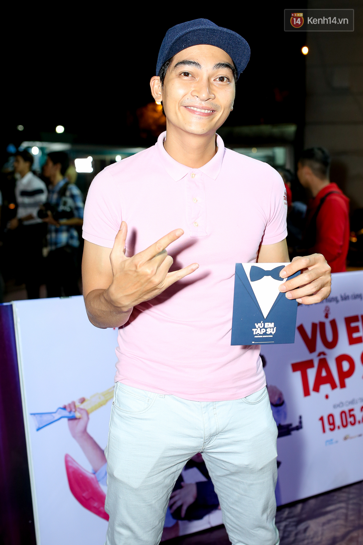 Kiều Minh Tuấn và Cát Phượng tay trong tay đến xem phim của Johnny Trí Nguyễn - Ảnh 13.