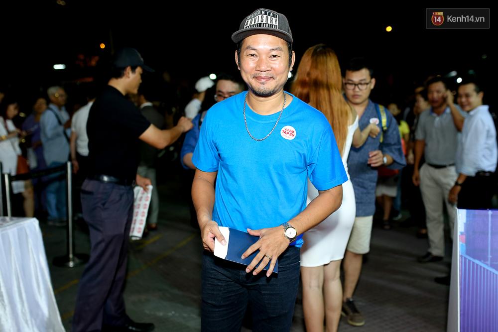 Kiều Minh Tuấn và Cát Phượng tay trong tay đến xem phim của Johnny Trí Nguyễn - Ảnh 8.