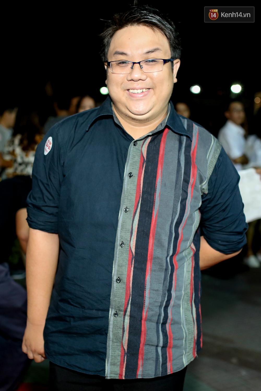 Kiều Minh Tuấn và Cát Phượng tay trong tay đến xem phim của Johnny Trí Nguyễn - Ảnh 7.