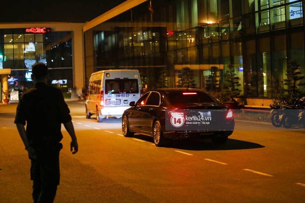 Sau 1 ngày hoạt động liên tục, Yoona vẫn vui vẻ vẫy tay chào tạm biệt fan Việt trước khi trở về Hàn - Ảnh 11.