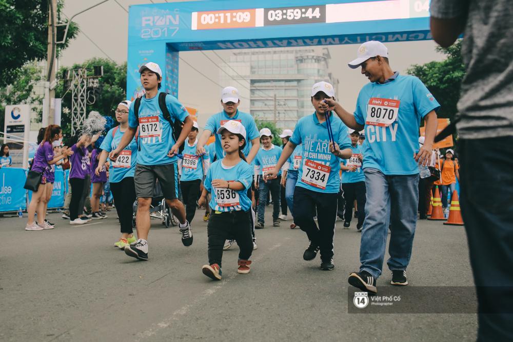 Bộ ảnh xúc động về nghị lực của những người khuyết tật trên đường chạy 5km ở Sài Gòn - Ảnh 8.