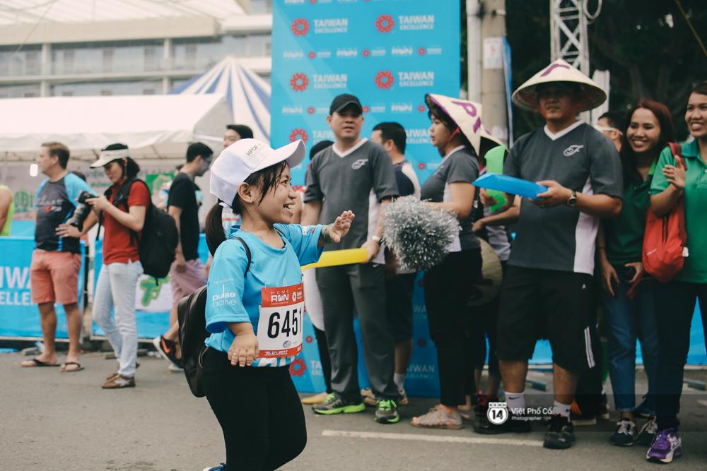 Bộ ảnh xúc động về nghị lực của những người khuyết tật trên đường chạy 5km ở Sài Gòn - Ảnh 15.