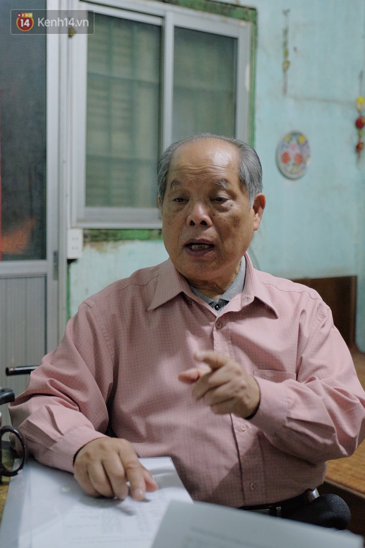 PGS.TS Bùi Hiền nói về phần 2 cải tiến tiếng Việt: Kuộk sốw gồm kí tự k (cờ) và w (ngờ), ghép lại vẫn đọc là cuộc sống thôi! - Ảnh 1.