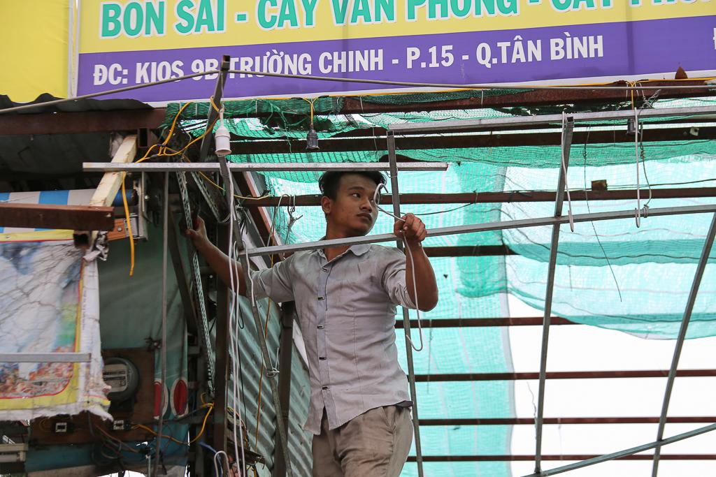 Chính thức xóa sổ 50 ki-ốt gần sân bay Tân Sơn Nhất, hàng trăm con chó mèo, thỏ con... không biết sẽ về đâu - Ảnh 3.