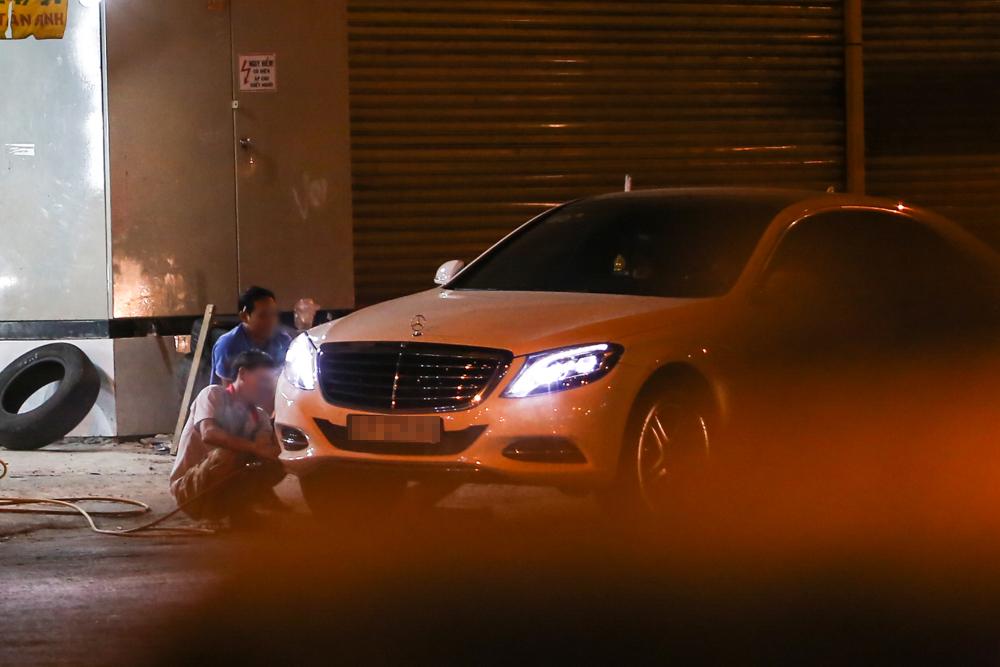 Bắt gặp Trấn Thành và Hari Won bị hỏng xe giữa đường lúc nửa đêm - Ảnh 7.