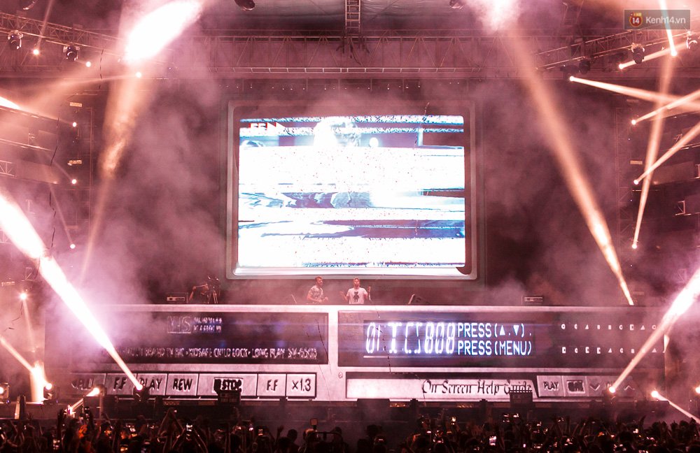Đêm diễn The Chainsmokers: Chưa bao giờ Việt Nam có một show EDM xịn đét đến như vậy! - Ảnh 8.
