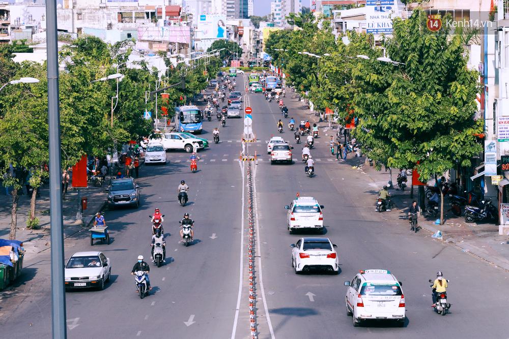 Có những ngày như thế: Sài Gòn không còi xe, khói bụi và không ùn tắc lúc 5 giờ chiều - Ảnh 15.