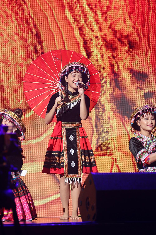 Noo Phước Thịnh khiến khán giả Việt nở mày nở mặt với phần biểu diễn tại Malaysia - Ảnh 12.