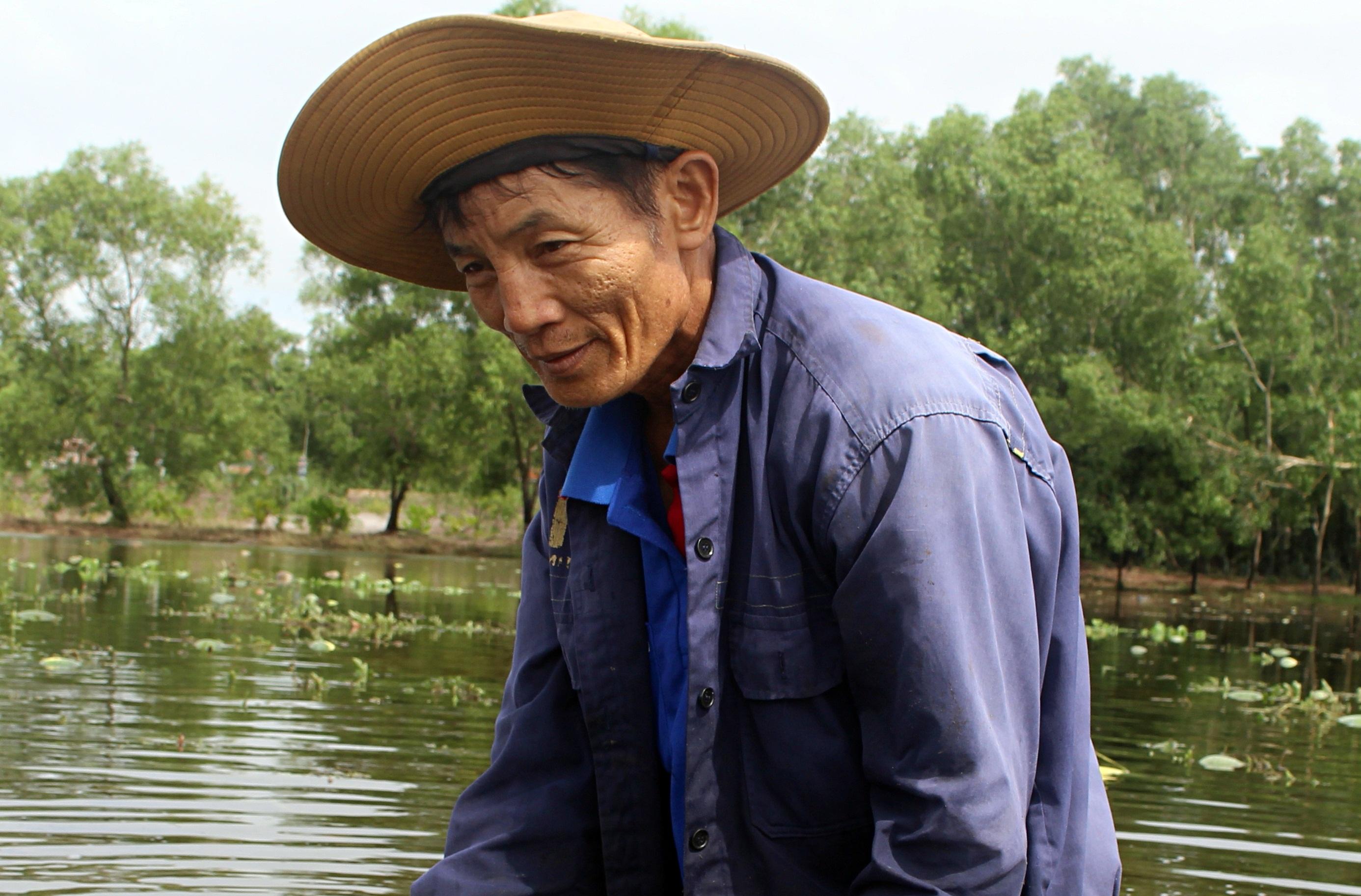Trắng tay sau cơn bão số 4, hàng trăm nông dân ở Quảng Trị đổ dưa hấu cho gà vịt ăn - Ảnh 5.