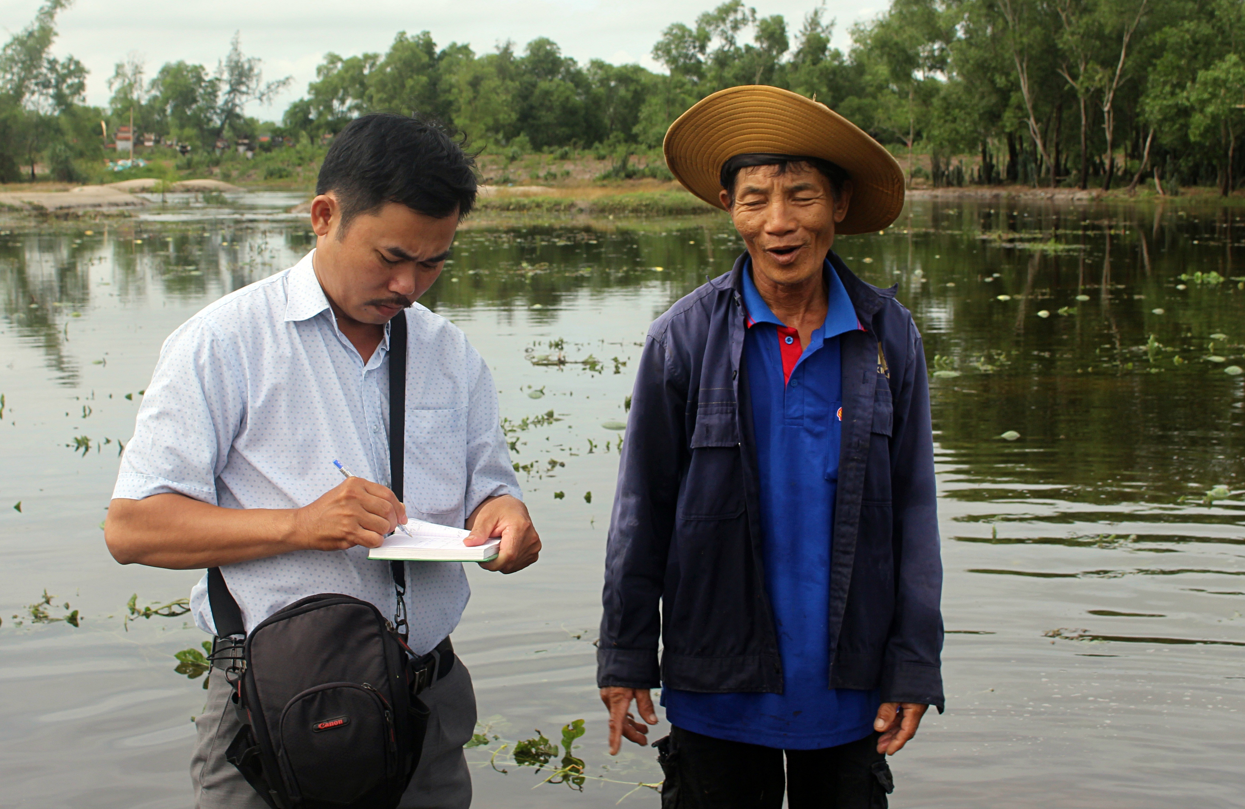Trắng tay sau cơn bão số 4, hàng trăm nông dân ở Quảng Trị đổ dưa hấu cho gà vịt ăn - Ảnh 12.