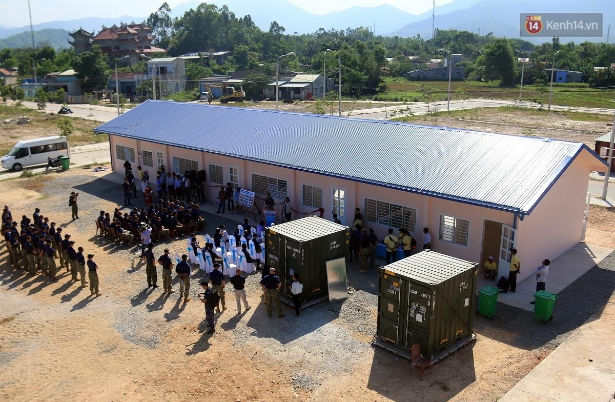 Hải quân Mỹ - Nhật dầm mình trong nắng, góp 1.500 ngày công để xây trường mầm non cho trẻ em Đà Nẵng - Ảnh 2.