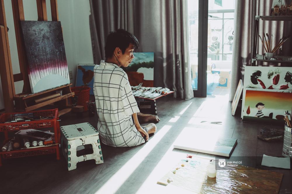 Hãy xem cách hoạ sĩ khuyết tật Lê Minh Châu vẽ body painting bằng miệng, bạn sẽ thấy không gì là không thể! - Ảnh 2.