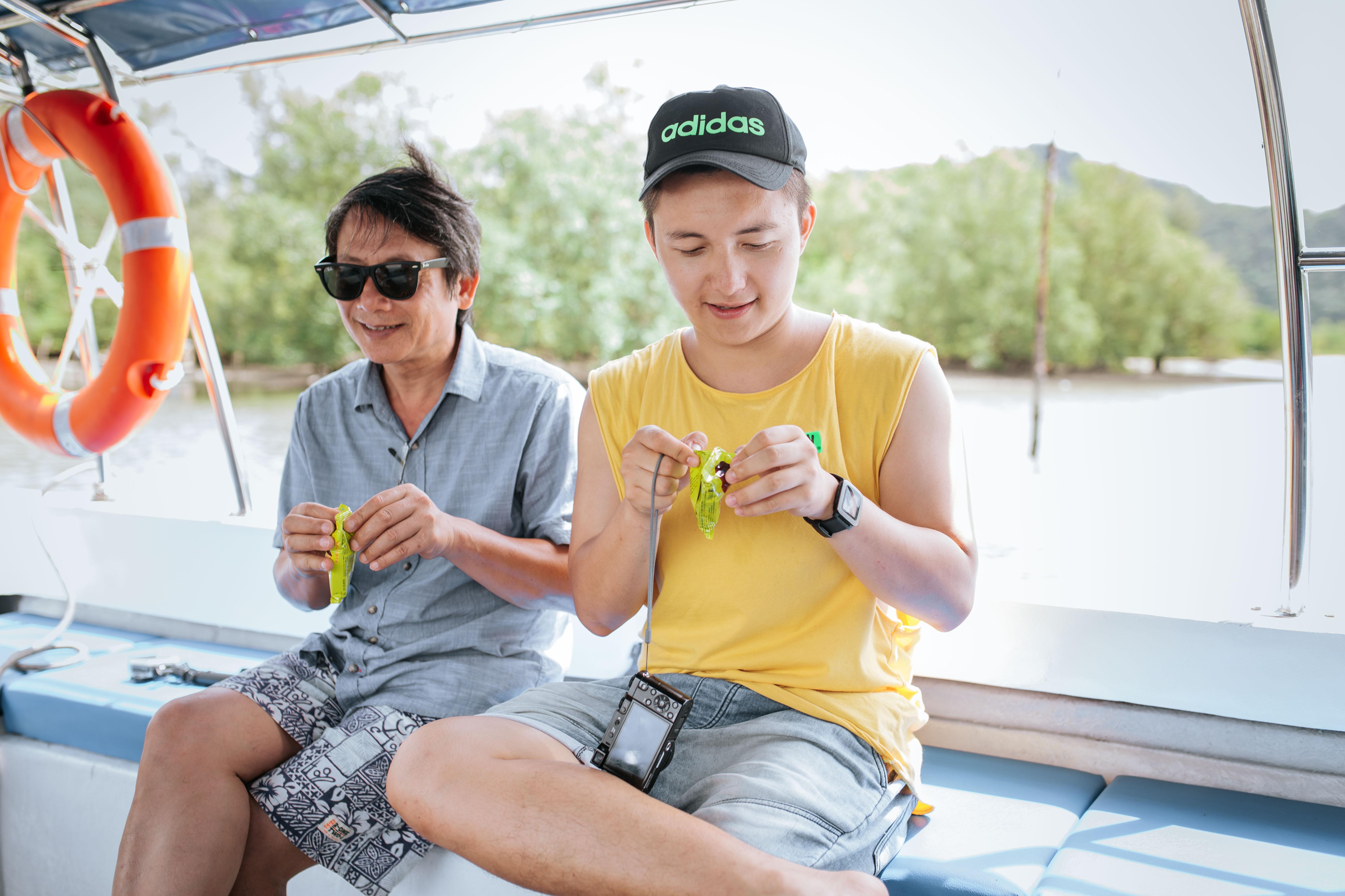 Bạn chọn ai khi muốn đi du lịch, cậu con trai Nghệ An 24 tuổi này rủ ông bố 60 tuổi, và họ có những trải nghiệm cùng nhau lần đầu tiên! - Ảnh 8.