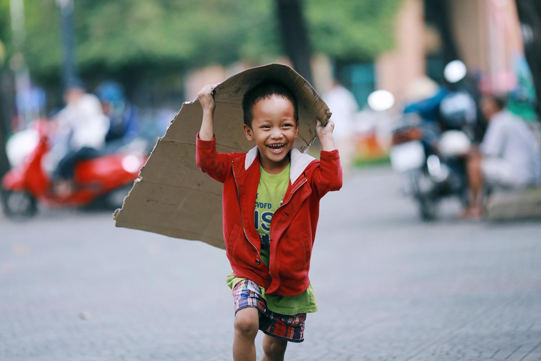 Clip: Hạnh phúc là gì? Là được yêu thương, là làm điều tử tế và nhân lên điều tử tế! - Ảnh 4.