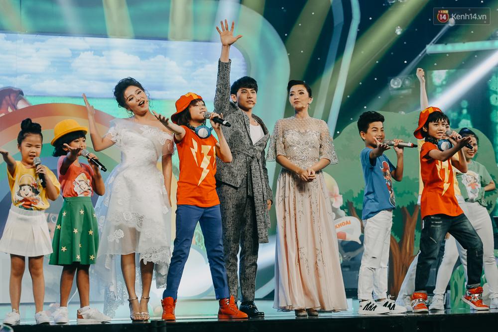 Cậu bé 12 tuổi Thiên Khôi chiến thắng Vietnam Idol Kids mùa 2 một cách áp đảo! - Ảnh 9.