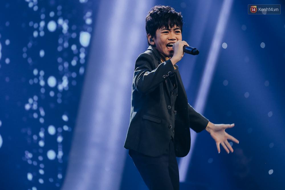 Cậu bé 12 tuổi Thiên Khôi chiến thắng Vietnam Idol Kids mùa 2 một cách áp đảo! - Ảnh 24.