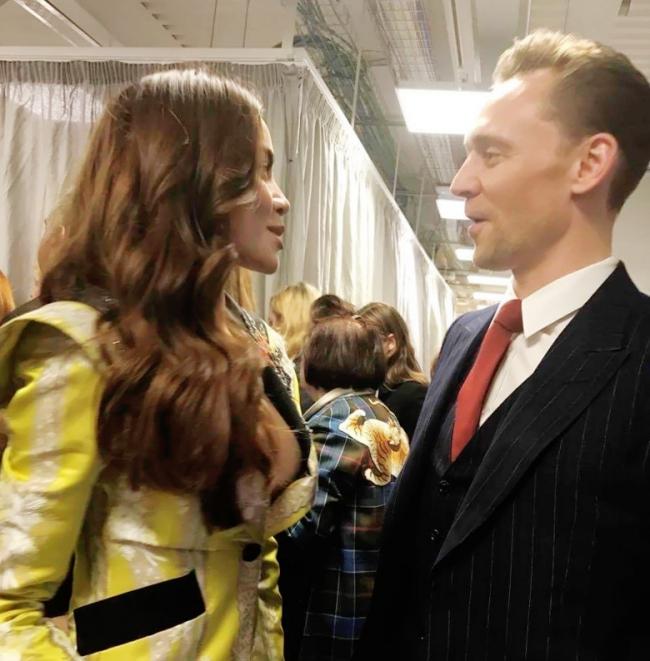 HOT: Hồ Ngọc Hà diện đồ sexy giá hàng trăm triệu, vui tươi tạo dáng bên Tom Hiddleston tại show Gucci - Ảnh 5.