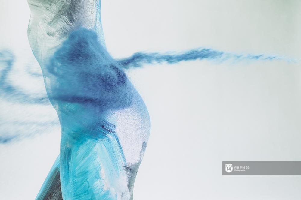 Hãy xem cách hoạ sĩ khuyết tật Lê Minh Châu vẽ body painting bằng miệng, bạn sẽ thấy không gì là không thể! - Ảnh 7.