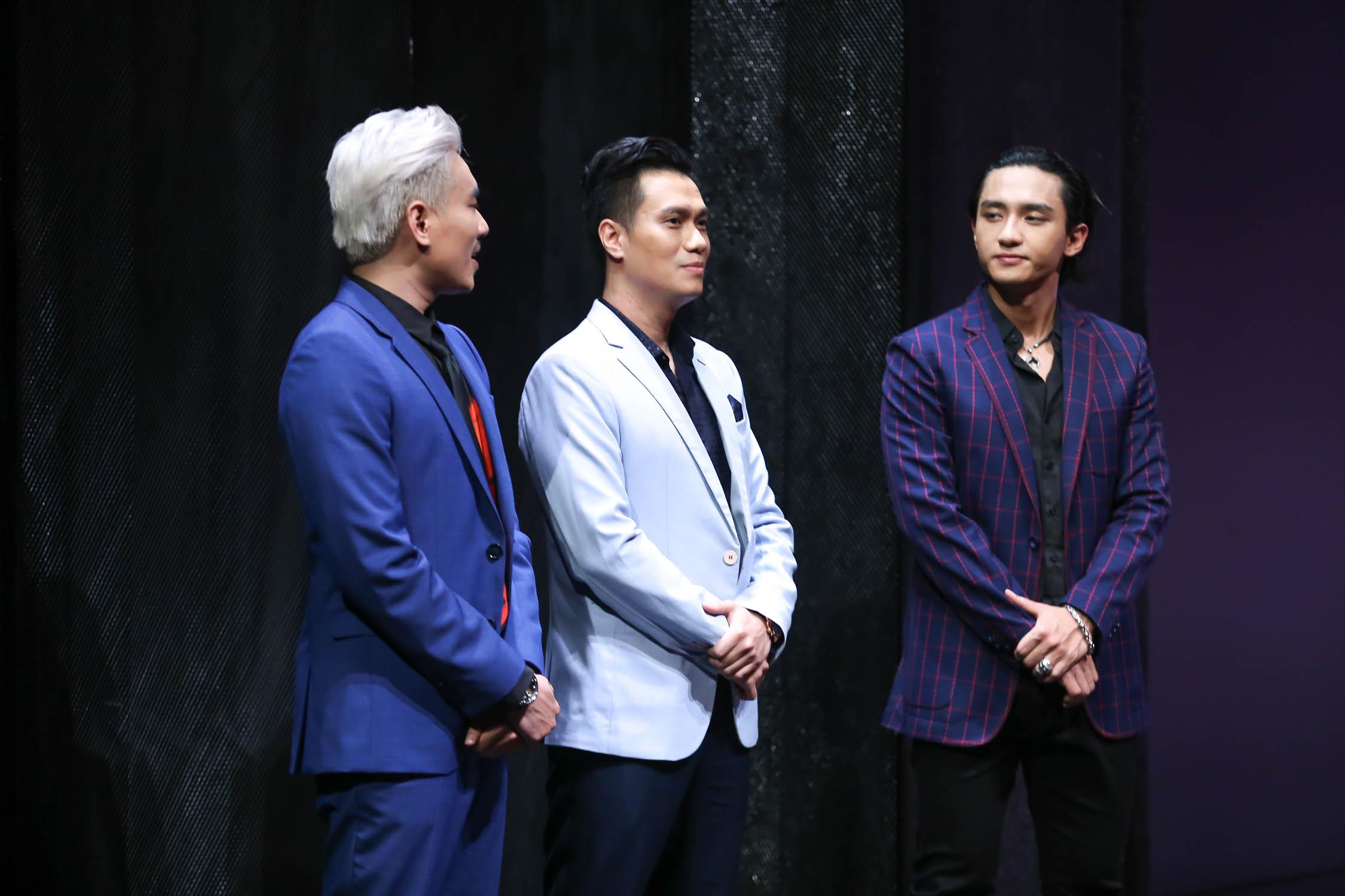 Làm soái ca để người đẹp quyến rũ nhưng Việt Anh lại khiến áo sơmi suýt nứt cúc vì hơi thừa cân - Ảnh 1.