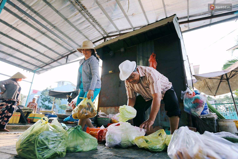 Chuyện ông Năm Hấp lấy đất nhà mình mở chợ cho người bán hàng rong ở Sài Gòn - Ảnh 7.