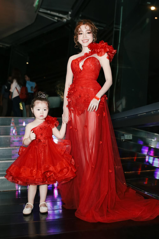 Hàng loạt các cặp đôi hot nhất đã có mặt trong buổi ra mắt giải thưởng Influence Asia tại Việt Nam! - Ảnh 13.