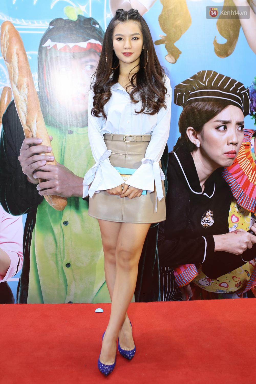 Bị nghi có bầu vì bụng bự, Hari Won quyết tâm giảm cân và diện đầm khoe chân ngực gợi cảm - Ảnh 10.
