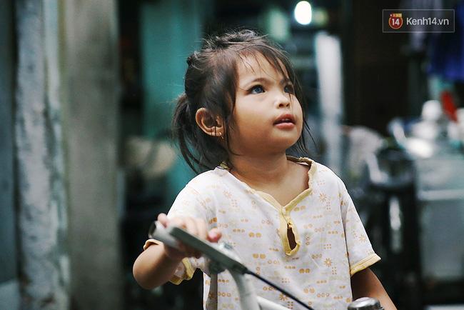 Hành trình mà nhiều người lớn tử tế đang tìm lại niềm vui cho những đứa bé nghèo ở Sài Gòn - Ảnh 2.