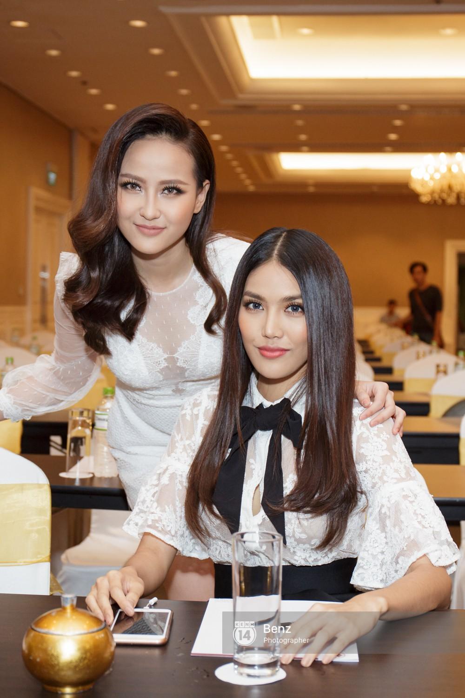 Vừa về tới Việt Nam, Khánh Ngân trích 150 triệu đồng giải thưởng Miss Globe hỗ trợ bà con trong vùng bão lũ - Ảnh 5.
