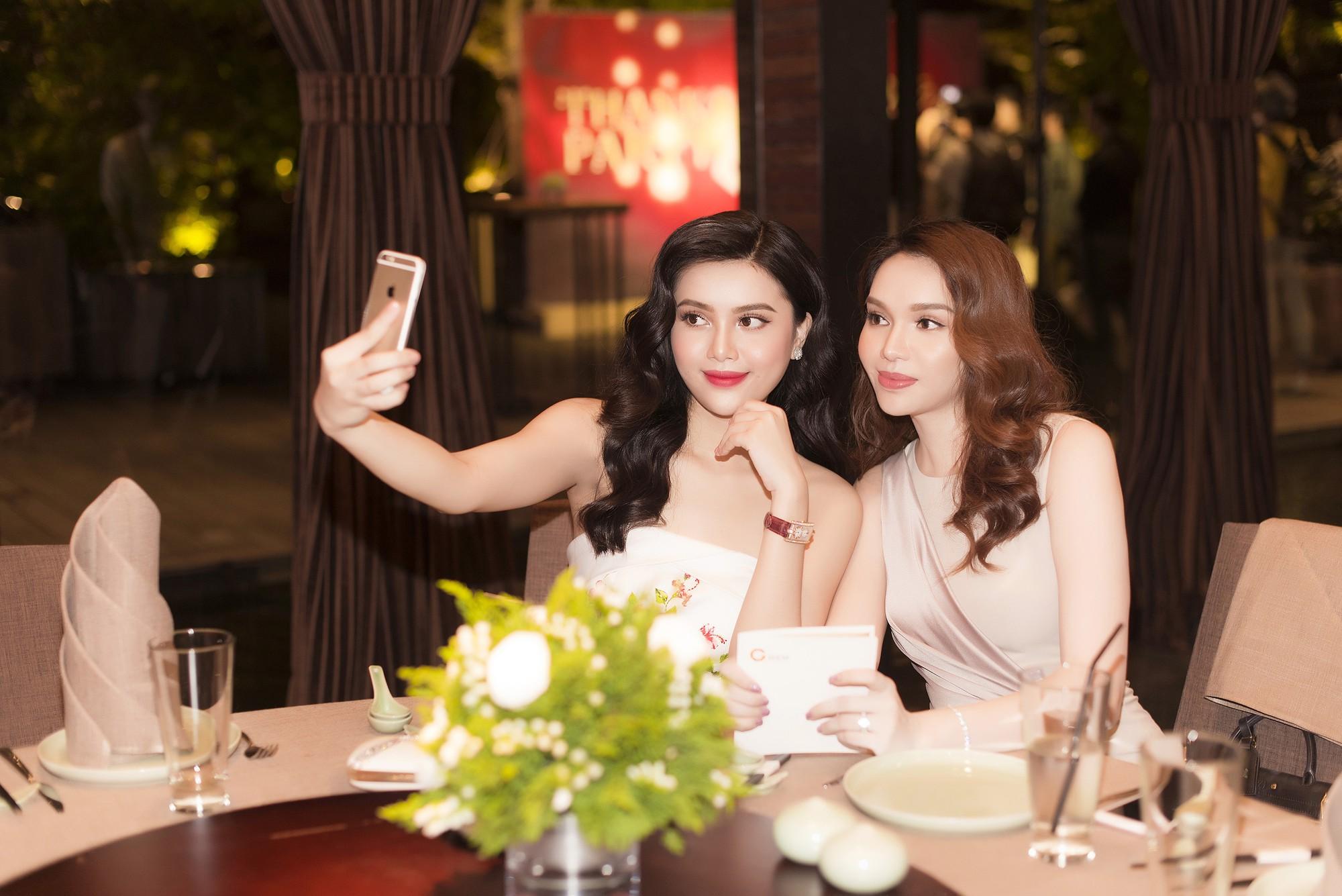 Cặp chị em Hoa hậu Diệu Hân - Á hậu Diệu Thùy rạng rỡ khoe sắc tại sự kiện - Ảnh 7.