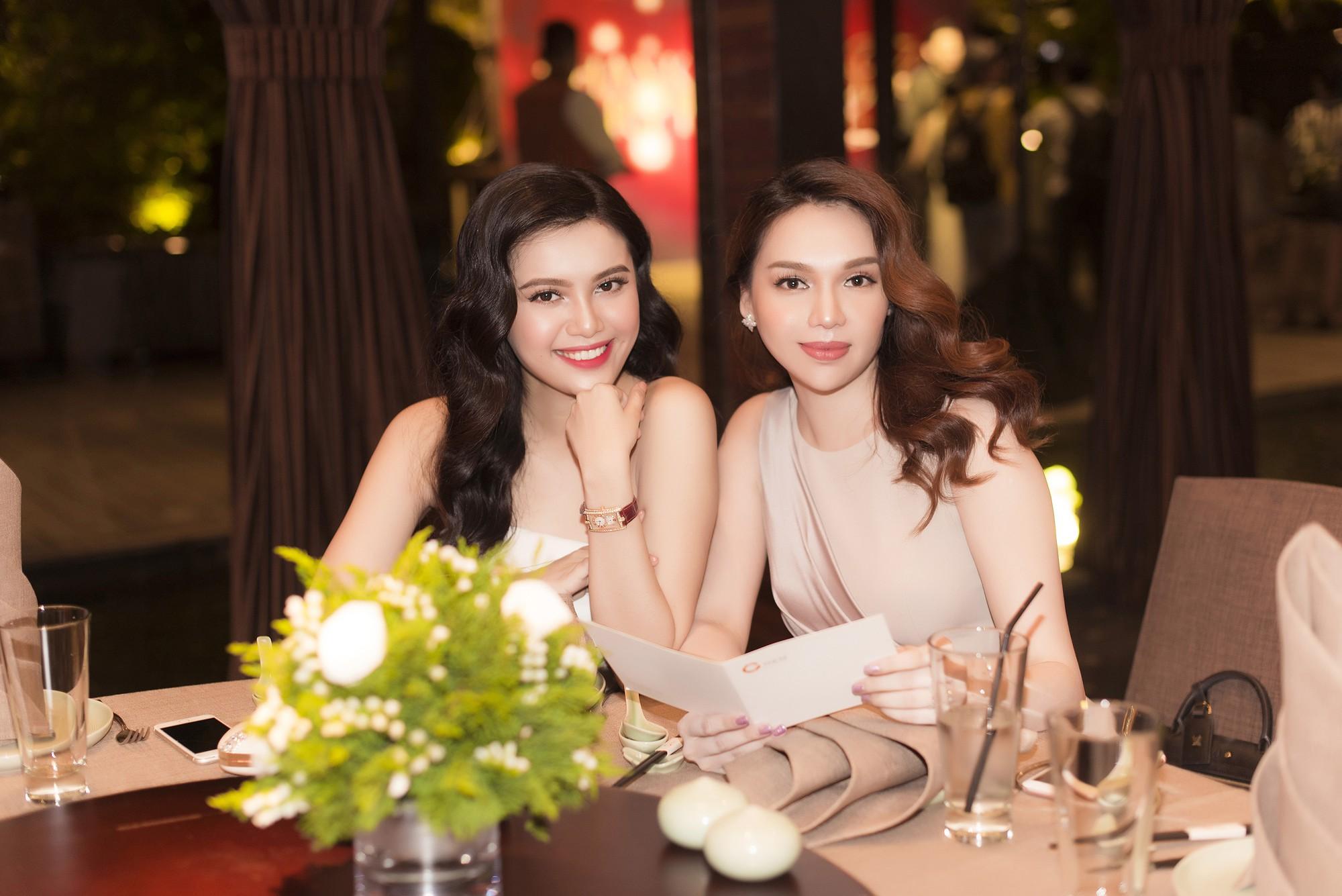 Cặp chị em Hoa hậu Diệu Hân - Á hậu Diệu Thùy rạng rỡ khoe sắc tại sự kiện - Ảnh 5.